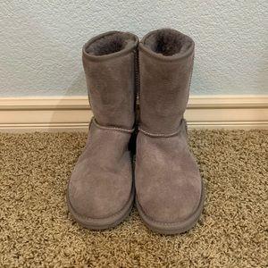 Gray emu boots size 6.